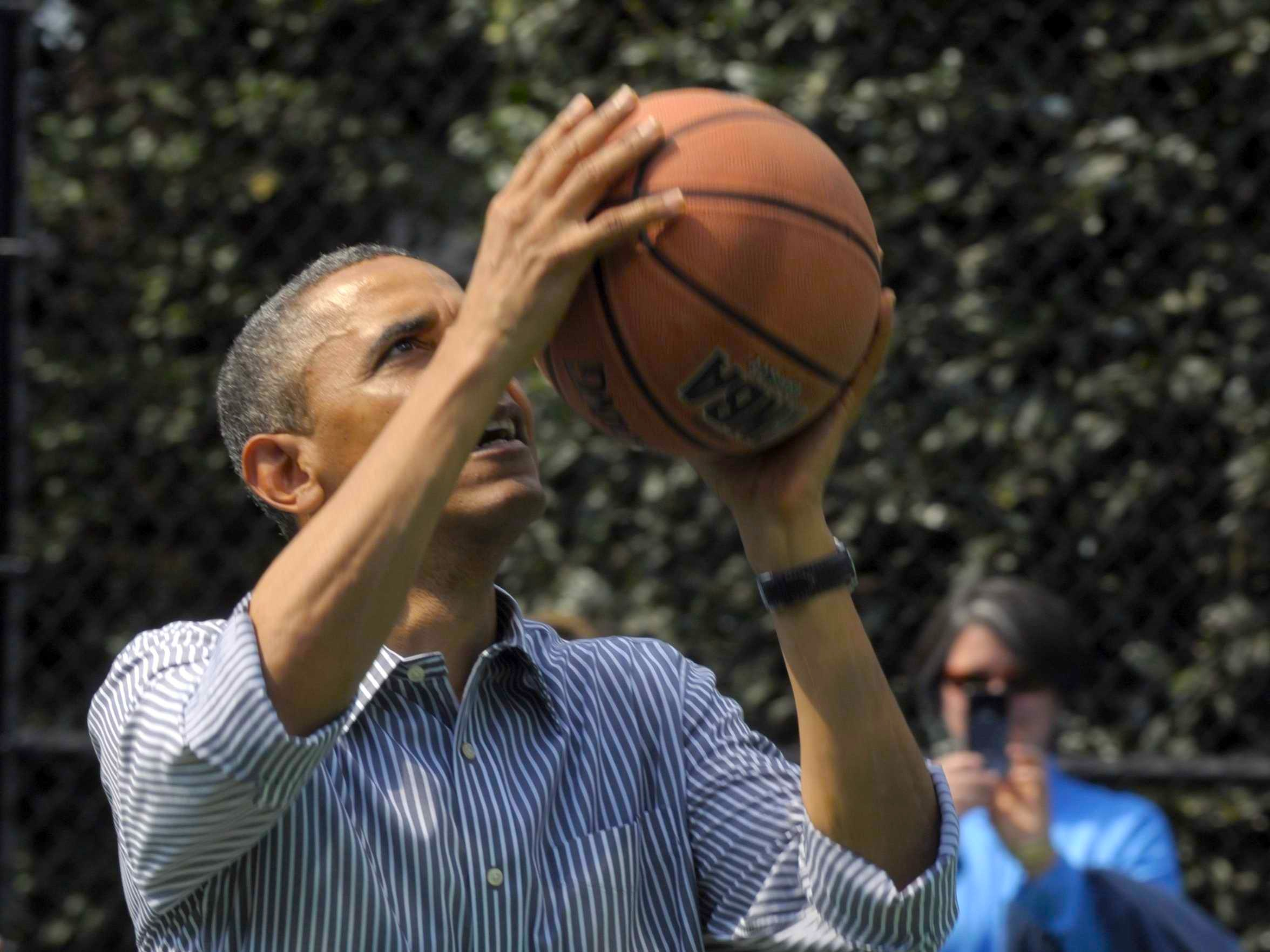 heres-video-of-obamas-horrid-2-for-22-performance-on-the-basketball-court-today